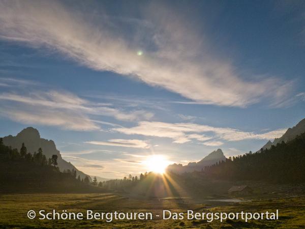 Suedtirol - Klein Fanesalm am Morgen