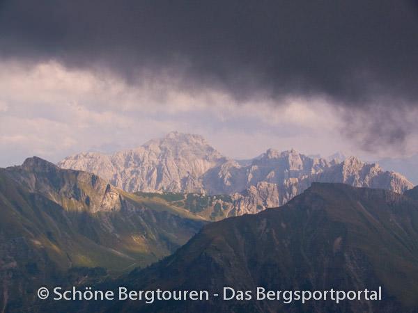 Allgaeuer Alpen - Blick in Richtung Obere Traualpe