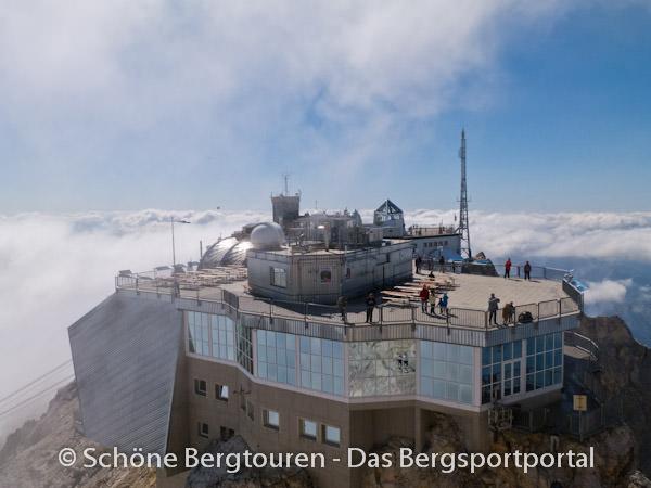 Wettersteingebirge - Gipfelplattform der Zugspitze