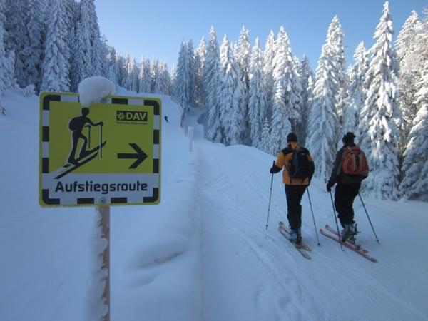 DAV-Skitourenregelungen auf Pisten