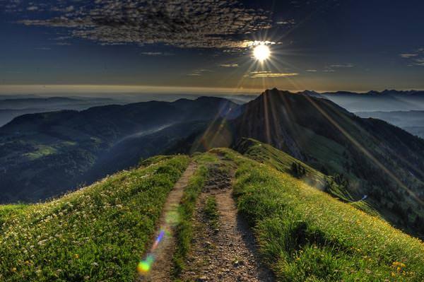 Oberstaufen - Sonnenaufgang mit Blick auf das Rindalphorn