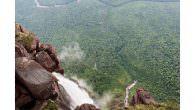 Venezuela Expedition 2013 – Bernhard Witz & Friends highlinen über dem höchsten freifallenden Wasserfall der Welt Erstbegehung am Salto Angel Wasserfall gelungen Seit mehreren Jahren gilt der Salto Angel Wasserfall […]