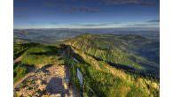 """Oberstaufen – Alpines Wandervergnügen direkt ab der Bergstation… Mit den Extratouren """"Wildes Wasser"""", """"Alpenfreiheit"""" und """"Luftiger Grat"""" bietet Oberstaufen Wanderern gleich drei Premium-Wanderwege in den Allgäuer Alpen Auf einem schmalen […]"""
