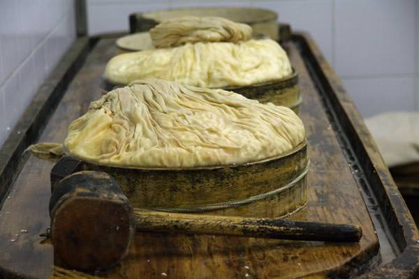 Ossola Taeler - Kaeseherstellung