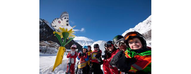 Engadin Samnaun - Kinder mit Ski