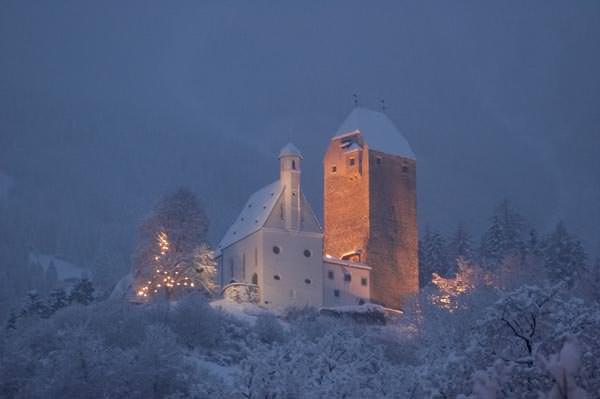 Silberregion Karwendel - Burg Freundsberg im Winter