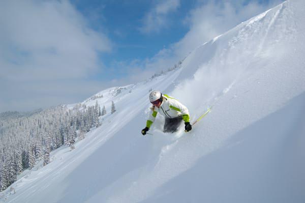 Skigebiet Hochkoenig - Freerider im Tiefschnee