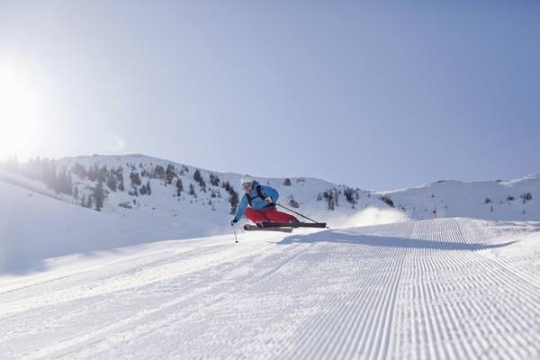 Skigebiet Kitzbuehel - Frisch praeparierte Piste