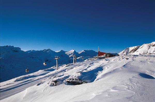 Skigebiet Moelltaler Gletscher - Bergstation Gondelbahn Eissee