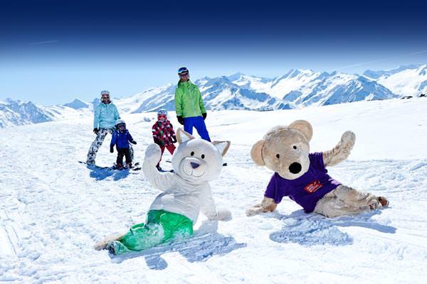 Wildkogel-Arena - Skifahrer mit Maskottchen
