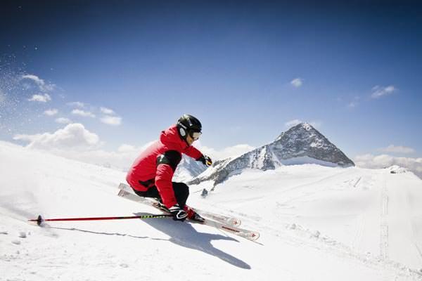 Hintertuxer Gletscher - Skifahrer am Olperer