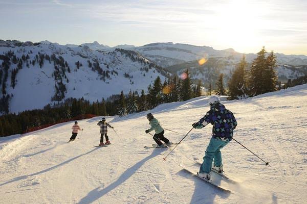 Hoernerdorf Grasgehren - Skifahrer auf der Piste