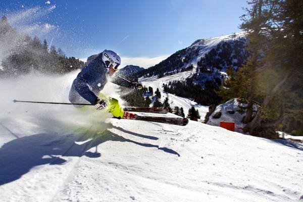 Obereggen - Skifahrer im Ski Center Latemar
