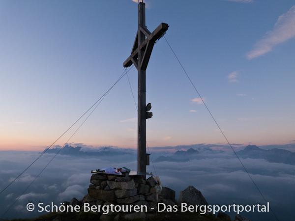 11 Gipfel Tour 2013 - Gipfelkreuz des Rudlhorn