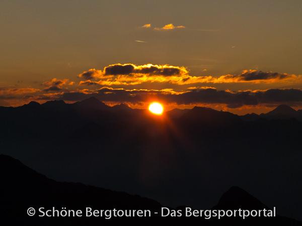 11 Gipfel Tour 2013 - Sonnenaufgang vom Rudlhorn
