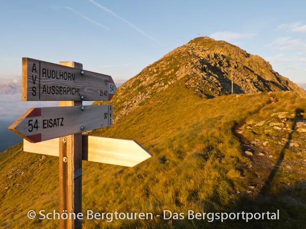 11 Gipfel Tour 2013 - Wegweiser