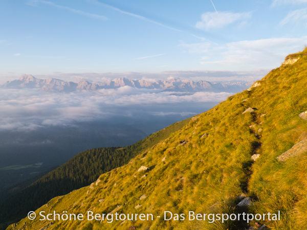 11 Gipfel Tour 2013 - Blick zu Pragser Dolomiten