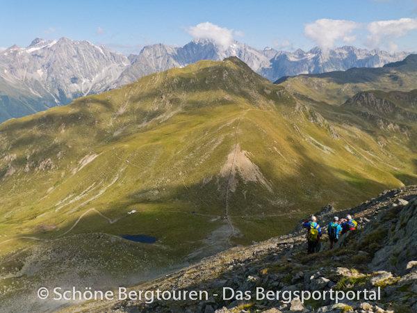 11 Gipfel Tour 2013 - Abstieg zum Ampertoerl