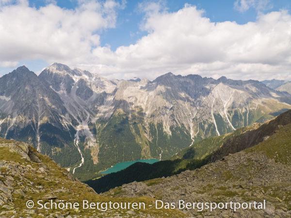 11 Gipfel Tour 2013 - Blick vom Hellenstein