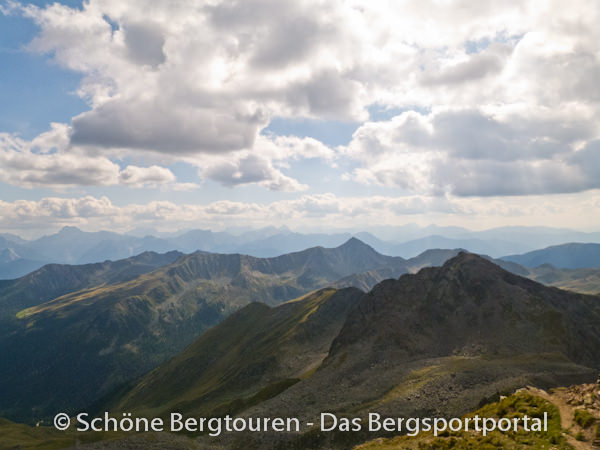 11 Gipfel Tour 2013 - Rueckblick von der Rotwand