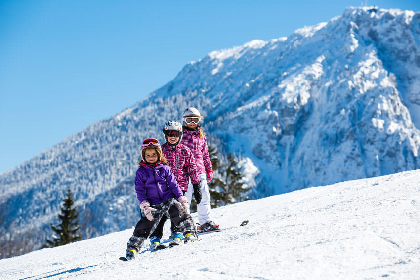 Ruhpolding - Kids beim Skifahren am Unternberg
