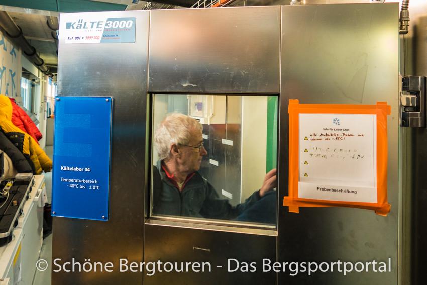 Davos Klosters - Besuch in der Kaeltekammer