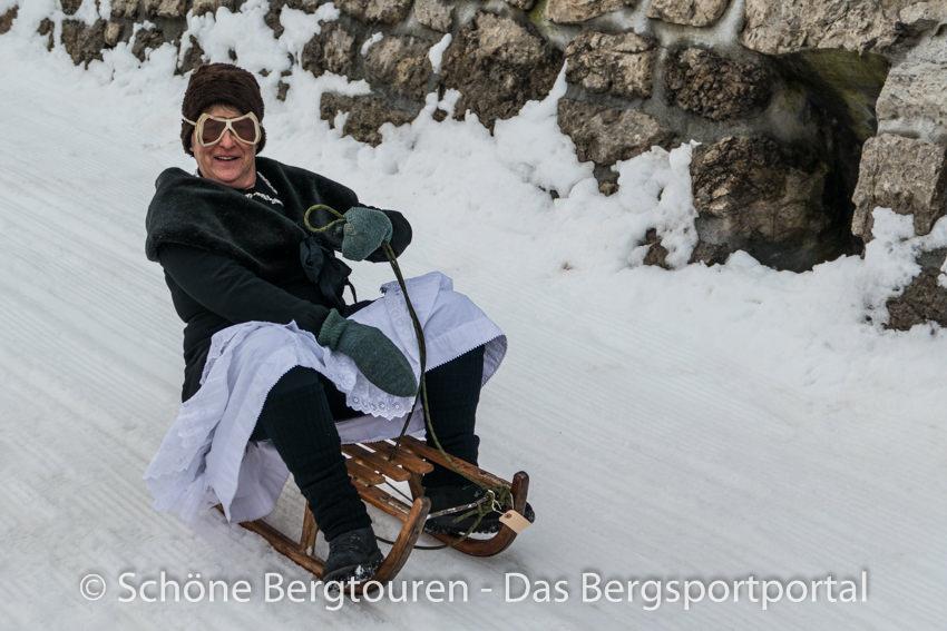 Davos Klosters - Nostalgisches Schlittenrennen