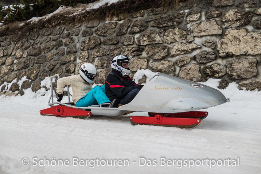 Davos Klosters - Nostalgisches Bob- und Schlittenrennen