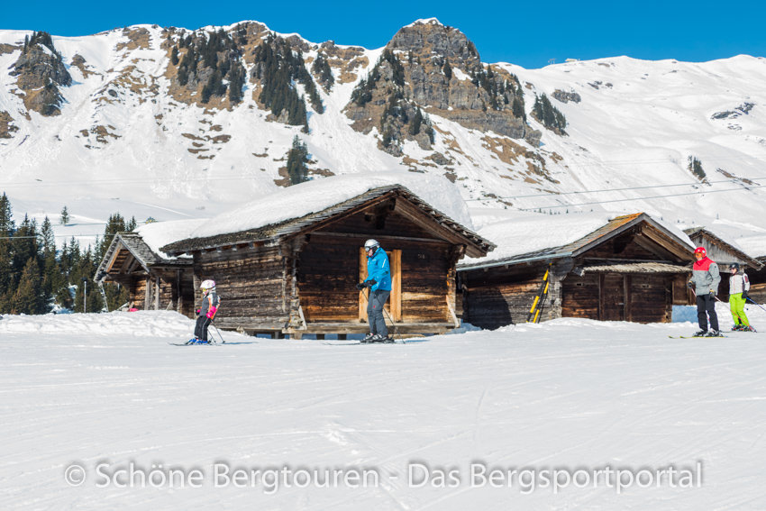 Haslital - Skifahrer an der Maegisalp