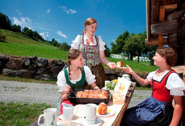 Bauernhofdorf Embach - Kuchen