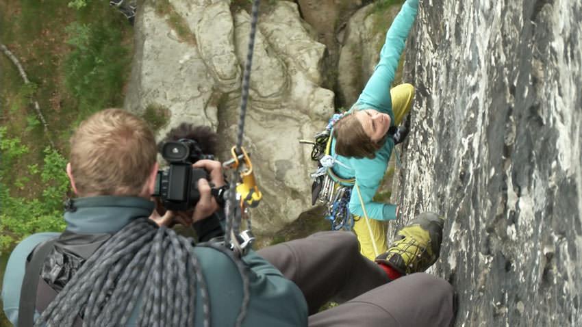 Biwak - Julia Winter beim Klettern