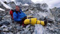 """Bergwelten – """"Sturz ins Leere"""" von Joe Simpson… Am 31. Juli 2015 kommt um 20:15 Uhr in ServusTV aus der Dokumentationsreihe """"Bergwelten"""" das Programm-Special """"Sturz ins Leere"""" von Joe Simpson…"""". […]"""