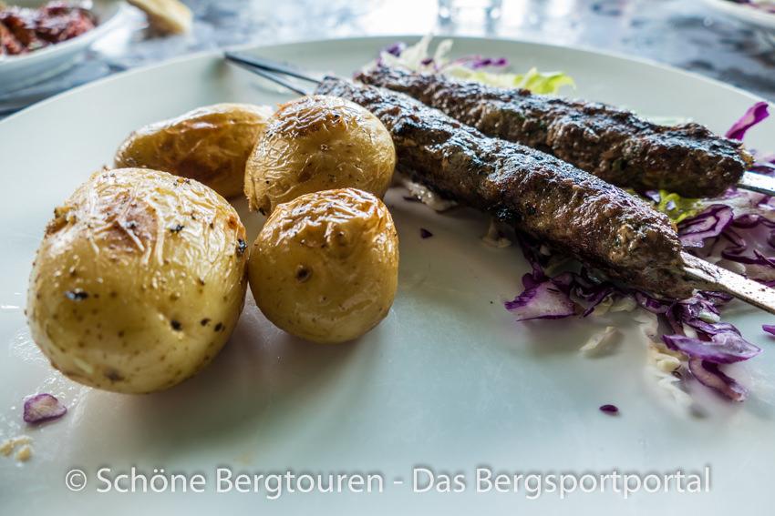 Israel - Kartoffeln mit Mini-Kebab Spiessen