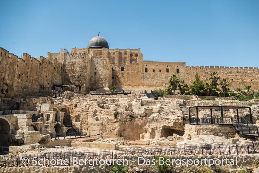 Israel - Vor der ummauerten Altstadt Jerusalems