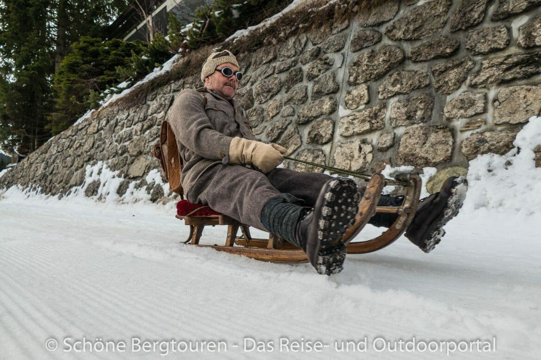 Davos Klosters - Nostalgische Schlitten und Outfit