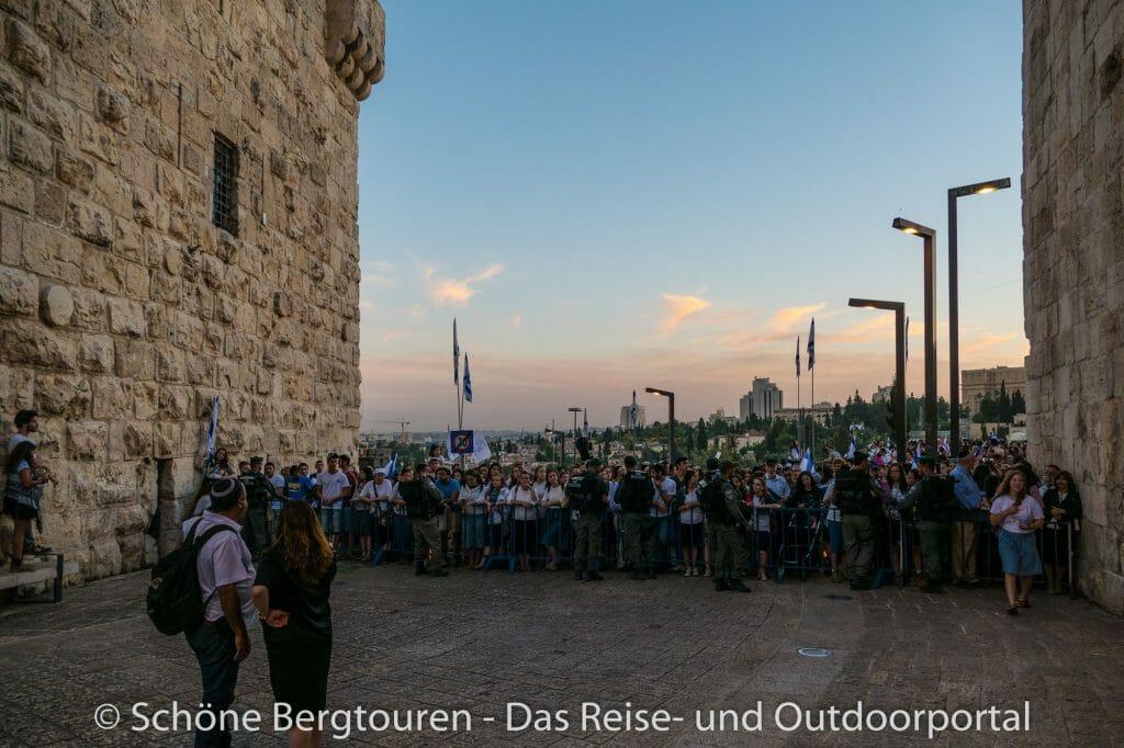 Israel - Absperrung neben dem Jaffator