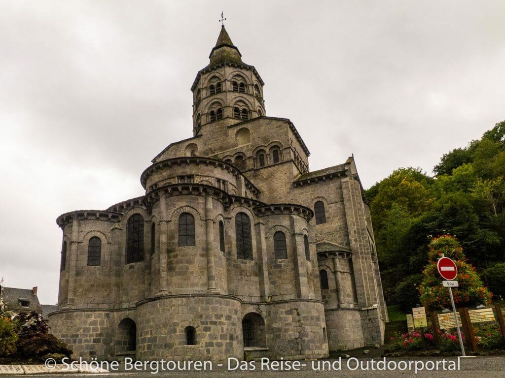 Auvergne - Basilika Notre Dame d Orcival