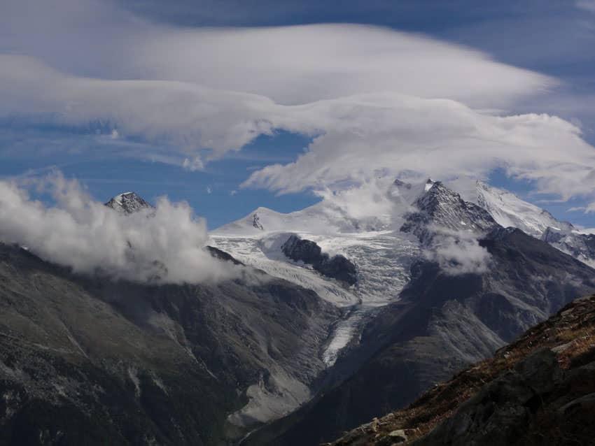 Bergauf-Bergab - Blick zur Mischabel-Gruppe