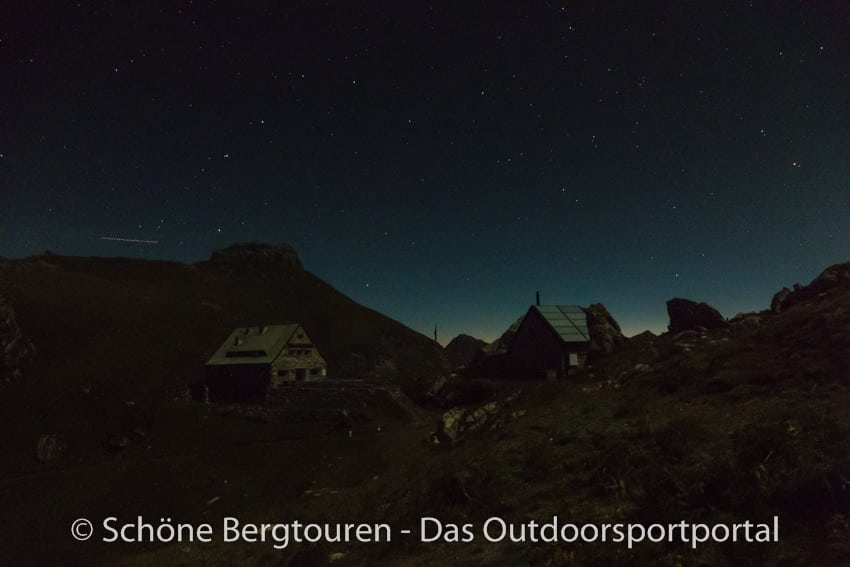 Fuerstentum Liechtenstein - Pfaelzerhuette in der Nacht
