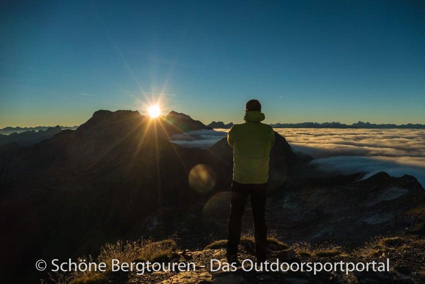 Fuerstentum Liechtenstein - Sonnenaufgang geniessen