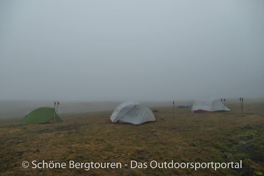 Spitzbergen - Zeltcamp am Morgen