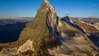 """Bergwelten – """"Die grossen Nordwände""""… Am 28. Dezember 2016 (Mittwoch) kommt um 21:15 Uhr in ServusTV aus der Dokumentationsreihe """"Bergwelten"""" die Dokumentation """"Die grossen Nordwände"""". Ein atemberaubendes Porträt der respekteinflößenden […]"""