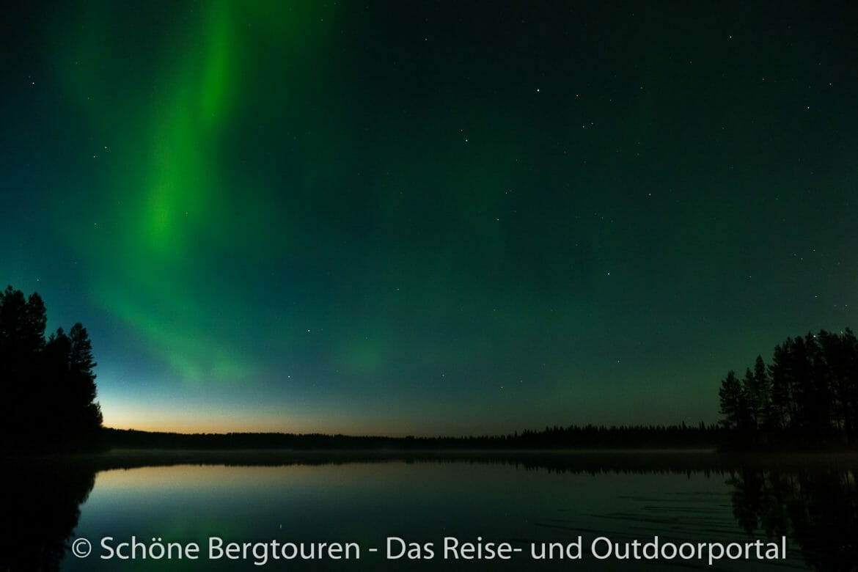 Finnland - Polarlichter über Iisakki Village