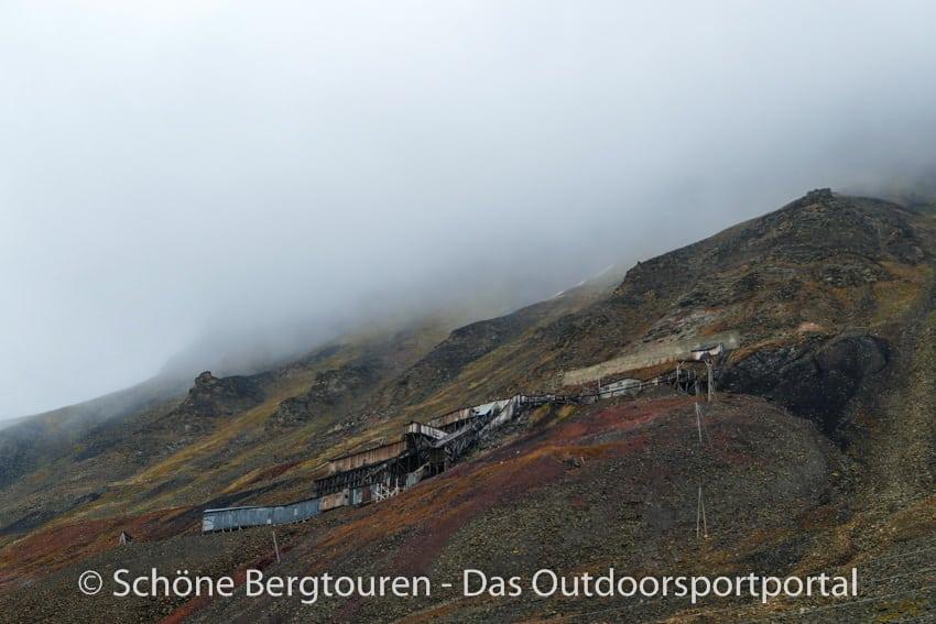 Spitzbergen - Alte Minen oberhalb von Longyearbyen