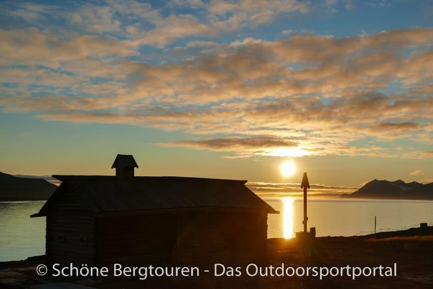 Spitzbergen - Abendsonne in Barentsburg