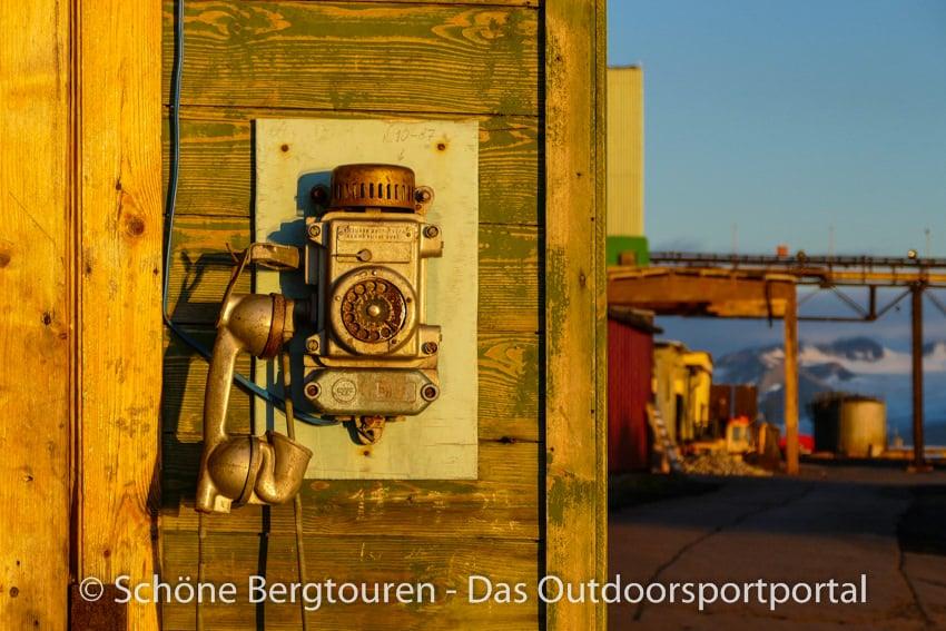 Spitzbergen - Altes Telefon in Barentsburg
