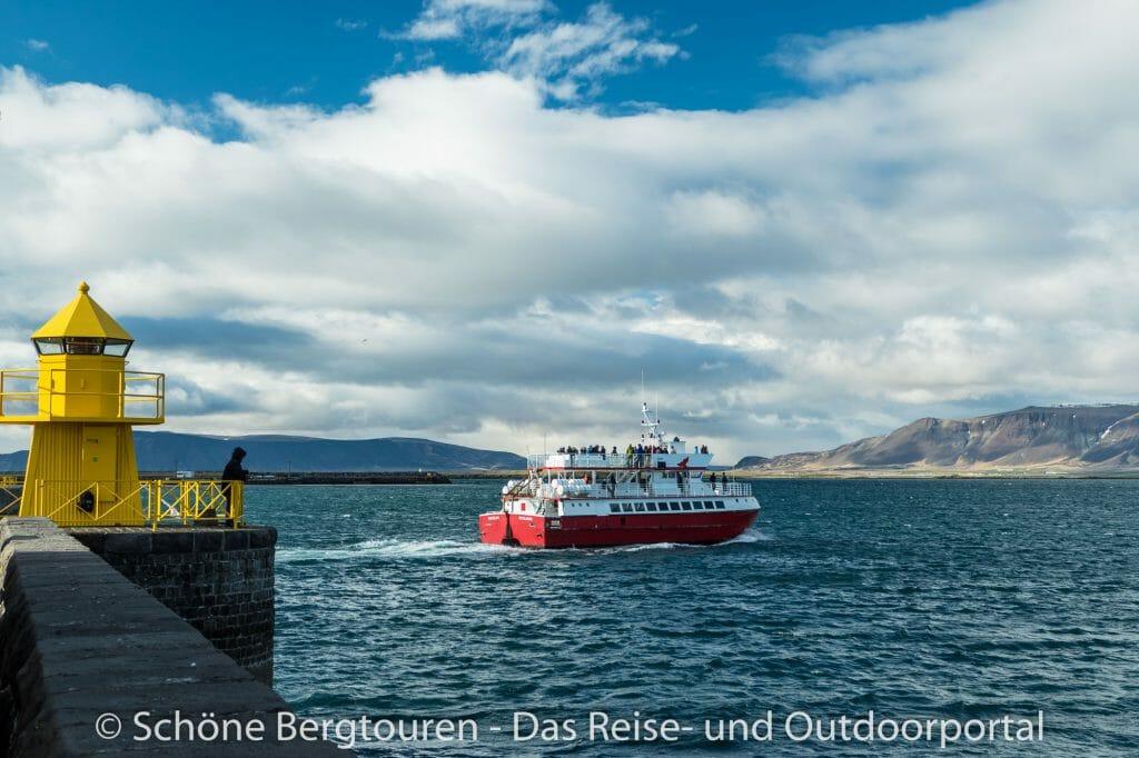 Island - Ausflugsschiff in Reykjavik