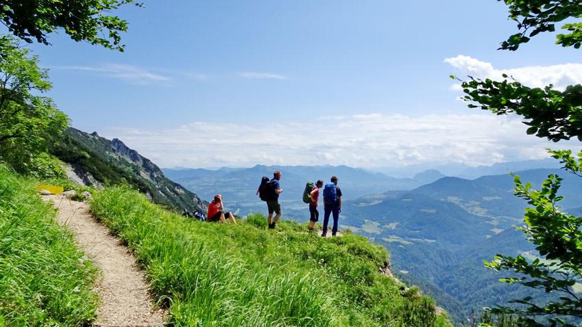 24h Trophy - Wanderer geniessen die Aussicht