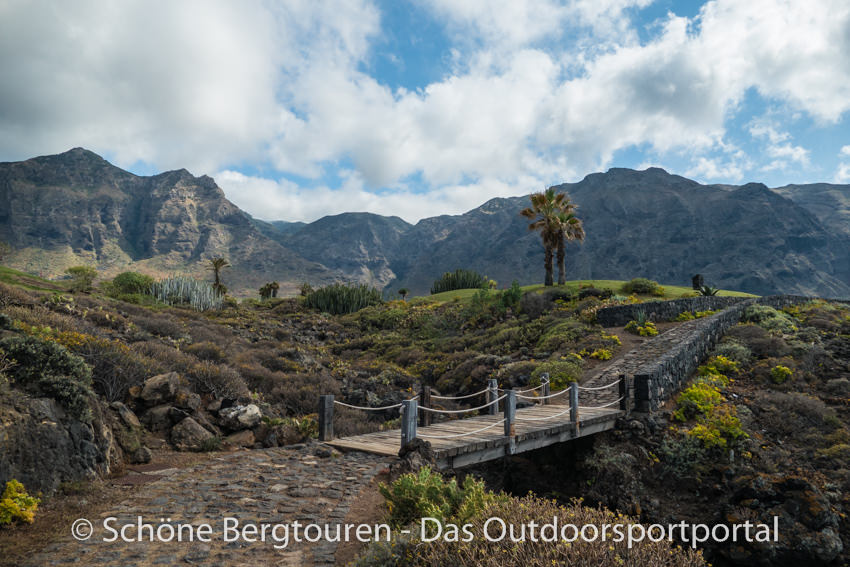 Teneriffa - Wanderweg an der Kueste