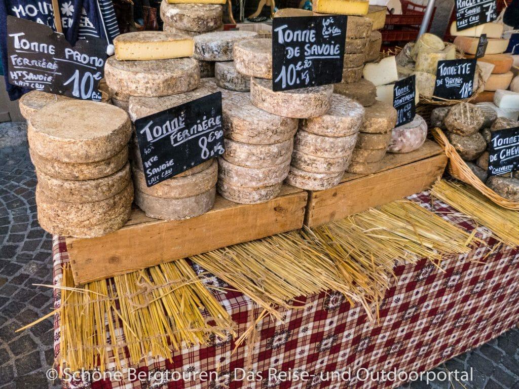 Annecy - Leckerer Käse an den Marktständen